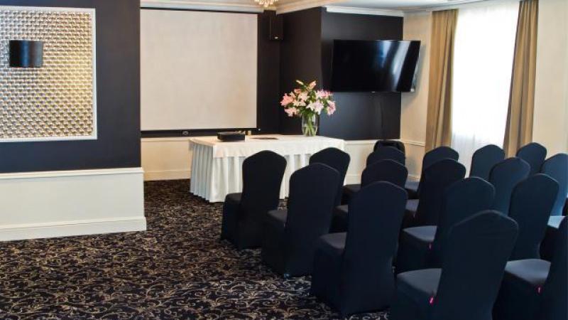 Hotel Luxor & Atelia Centre
