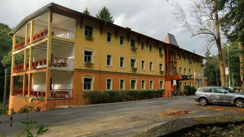 Hotel Mir Jan Ul Kościuszki 78 57 540 Lądek Zdrój Sale