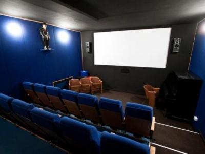 Charlie Monroe Kino Malta
