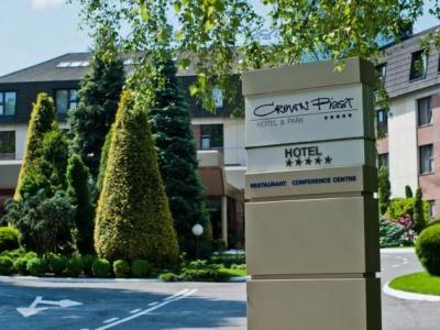 Crown Piast Hotel & Spa